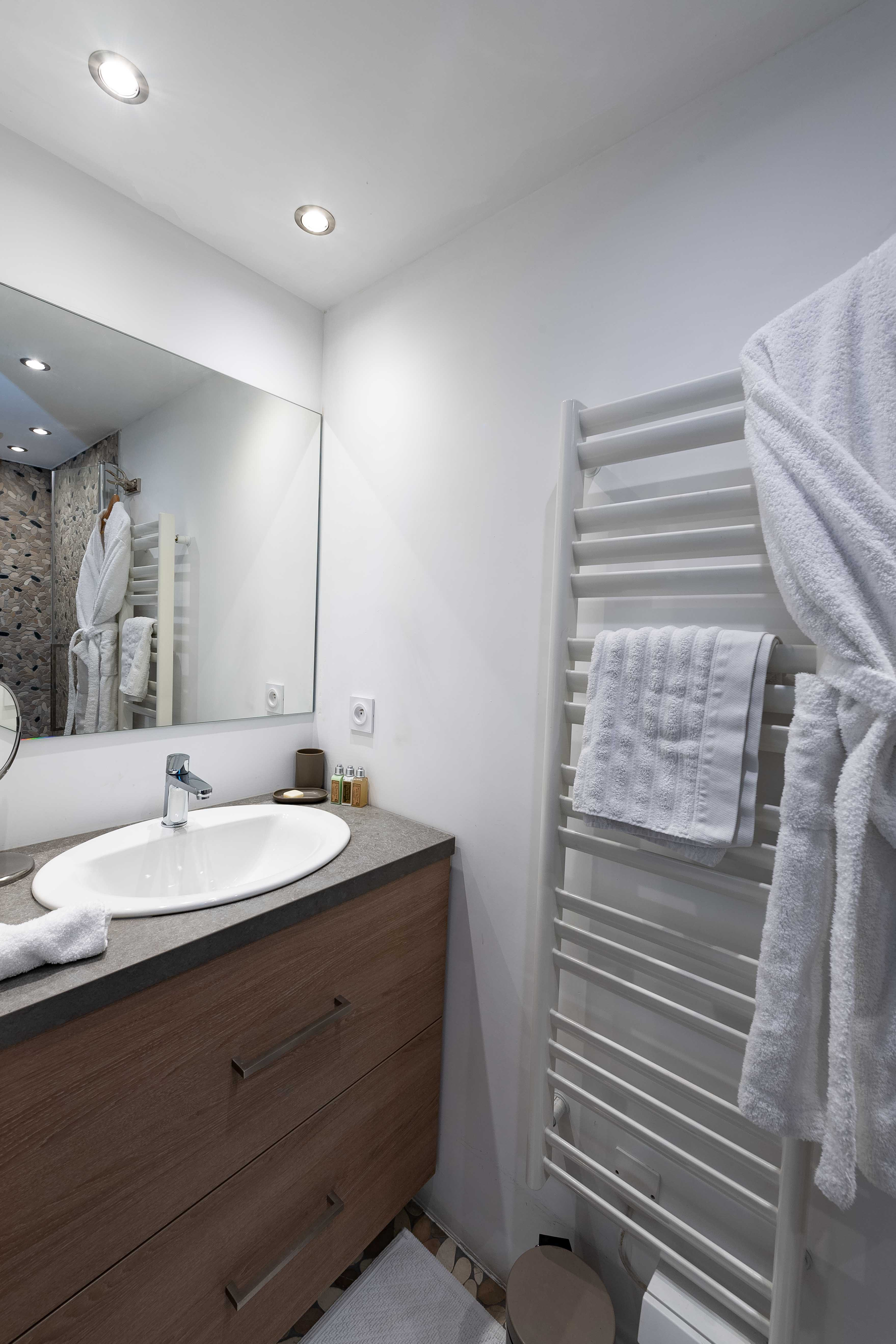 salle de bain appartement sylvain