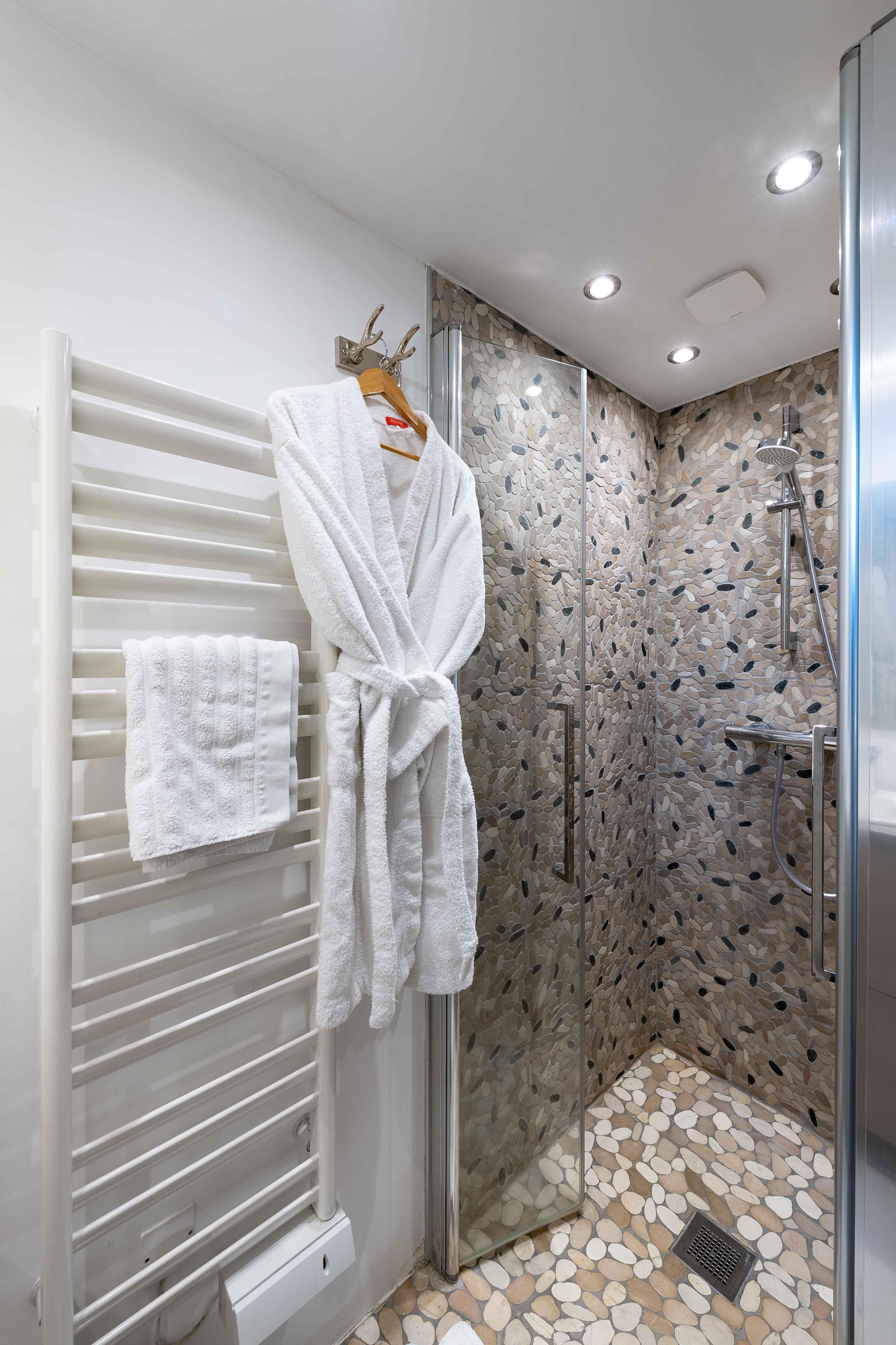 salle de douche appartement sylvain